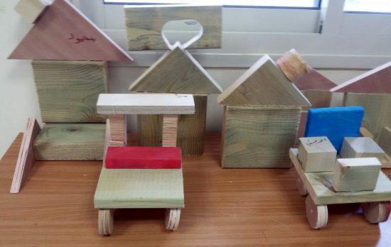 משחקים משאריות עצים