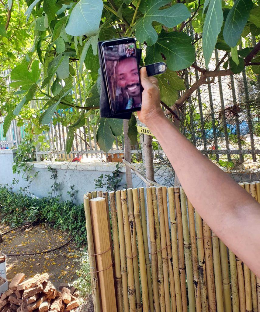 """הרשת הירקוה: הסייעת עופרה ב""""שידור חי"""" לאתיופיה"""